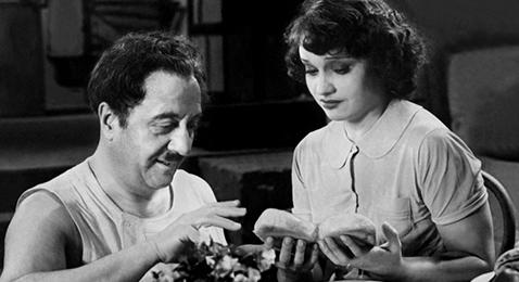 Still image from La femme du boulanger.