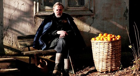 Still image from Tangerines.