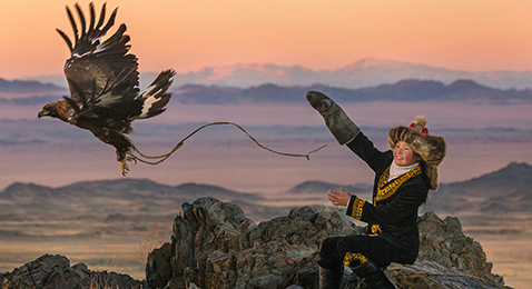 Still image from The Eagle Huntress.
