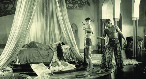 Still image from The Thief of Bagdad.